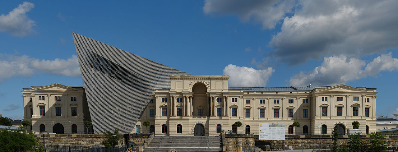 1280px-Dresden-MHM-Baustelle Kolossos Wikimedia Commons