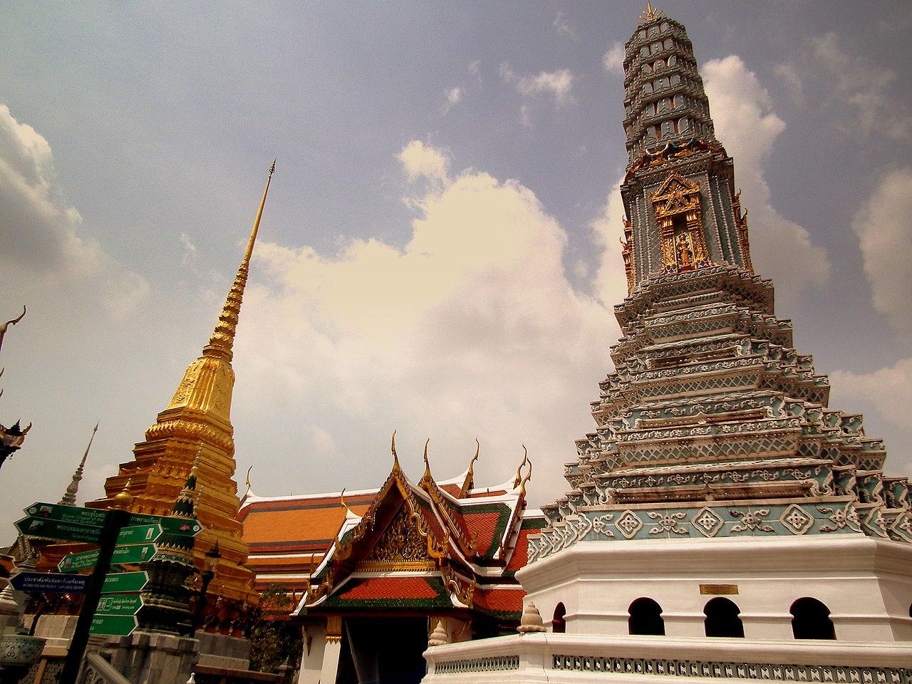 GRAND_PALACE_BANGKOK_THAILAND_FEB_2012_(7013958817)
