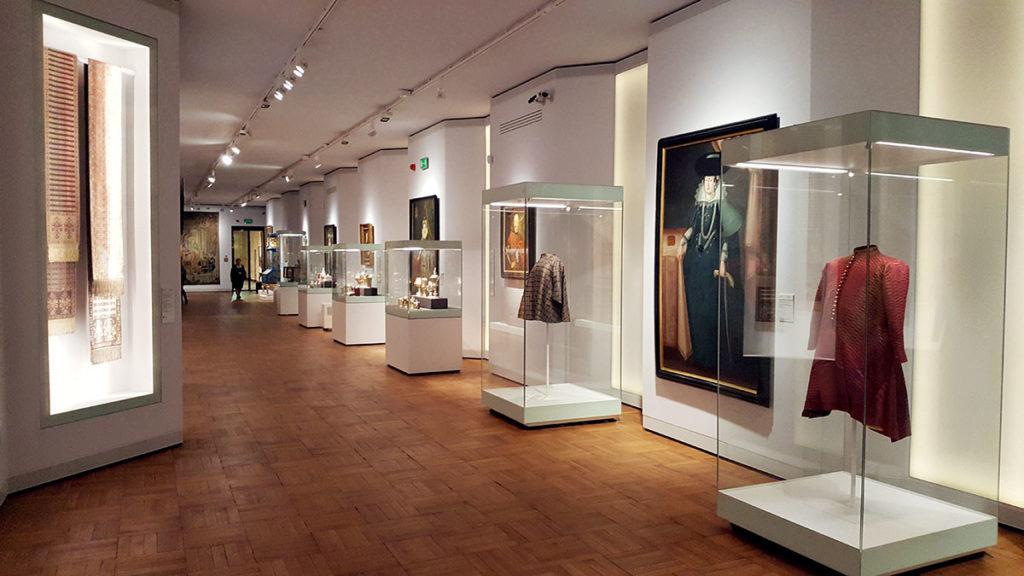 Ta część muzeum jest super! Możemy podziwiać wszystkie elementy sztuki dworskiej zebrane w jednym pomieszczeniu.